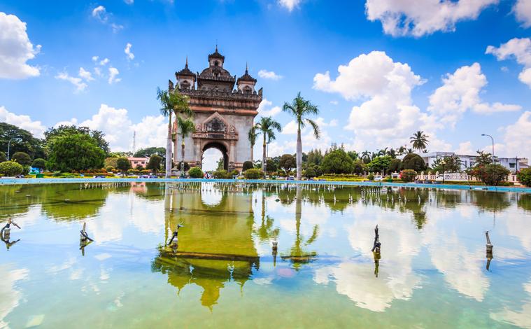 Laos-Vientiane-Monument-aux-morts