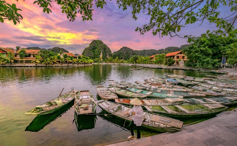 bateau-hoa-lu-vietnam