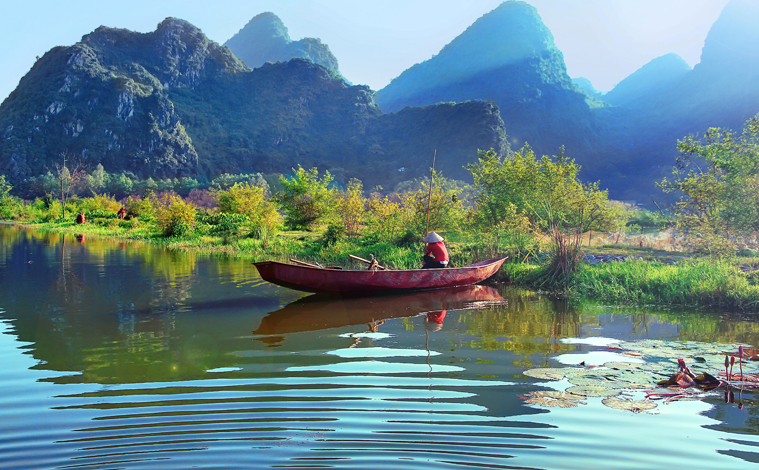 bateau-lac-hanoi-vietnam