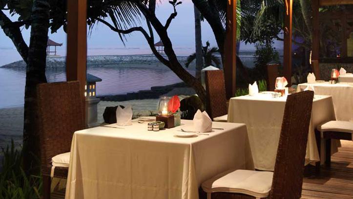 Griya Santrian restaurant