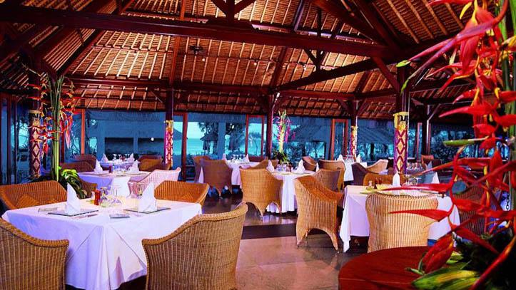 oberoi hotel restaurant