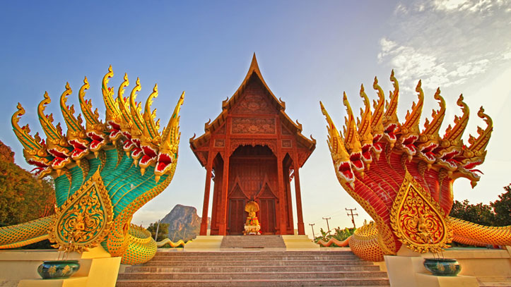 thailande serpents pagode rouge
